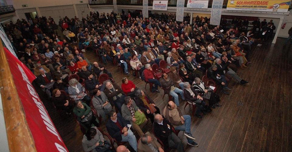 Venez-demos-Lisbon-Portugal-publicmtg-Feb22-PeaceCouncil
