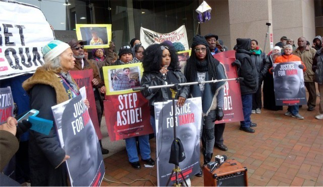 Rally at the Cuyahoga County Justice Center Nov. 23; LaTonya Goldsby and Elle Hearns at center.WW photo: Susan Schnur