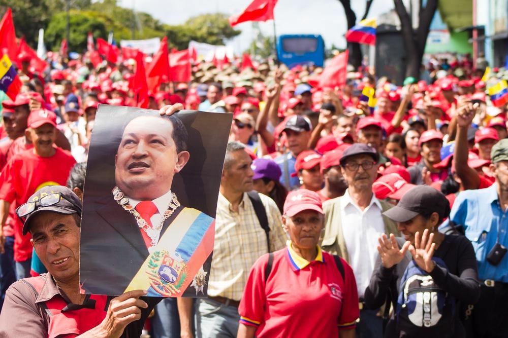 Venezuela's people mobilize behind Maduro – Workers World