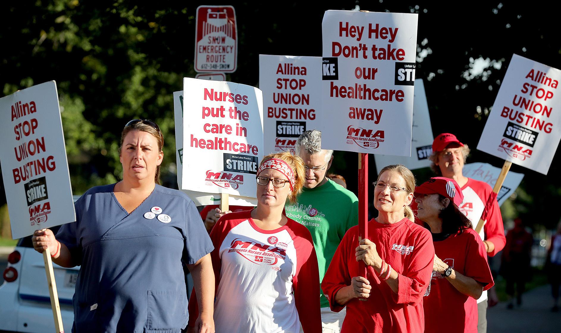 Striking nurses, Allina Health agree to bargaining session