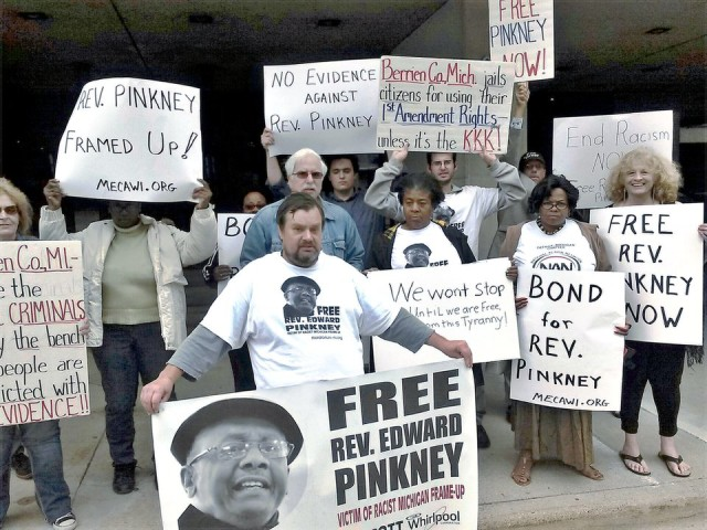 Supporters of Rev. Edward Pinkney demonstrate in Grand Rapids, Mich., demanding he be released on bond.WW photo: Abayomi Azikiwe