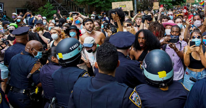 Queer Liberation March attacked by police in New York City