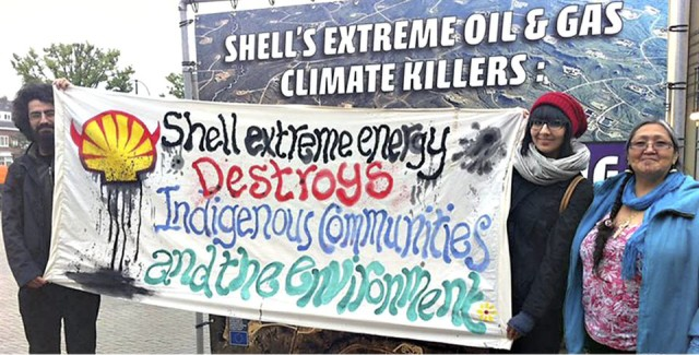 Indigenous activists protest in 2013.Photo: priceofoil.org
