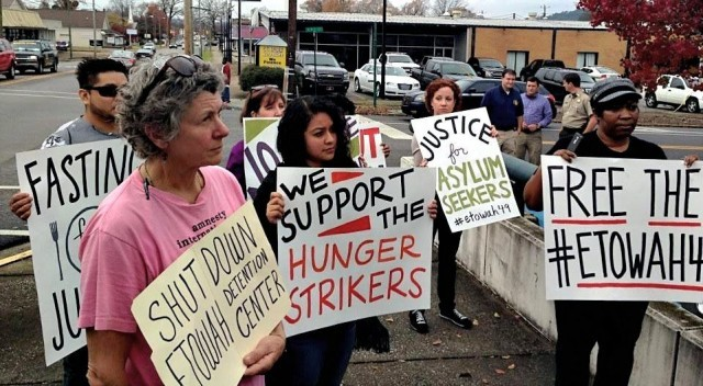 Protesters rally in solidarity with hungerstrikers on Nov. 30 at Alabama's Etowah County Detention Center, where immigrants are imprisoned.Photo: William Thornton
